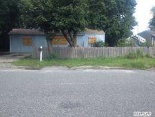 637 Doane Ave, Bellport, NY 11713