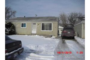 20209 Williamson St, Clinton Township, MI 48035