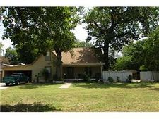 914 N Chandler Dr, Fort Worth, TX 76111