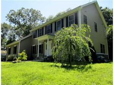 48 Donald Rd, Guilford, CT 06437