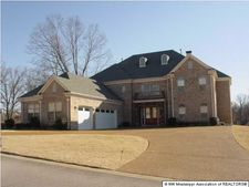 1925 Gilless Point North St, Southaven, MS 38671