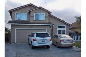 1356 Cachuma Ct, Salinas, CA 93905