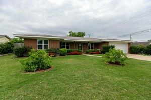 502 Fairfield Dr, Corpus Christi, TX 78412