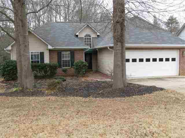 125 Riverrun Dr, Spartanburg, SC 29303