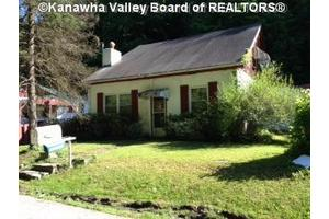 556 Campbells Hollow Rd, Charleston, WV 25311