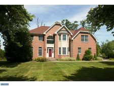4600 Twinbrook Cir, Doylestown, PA 18902