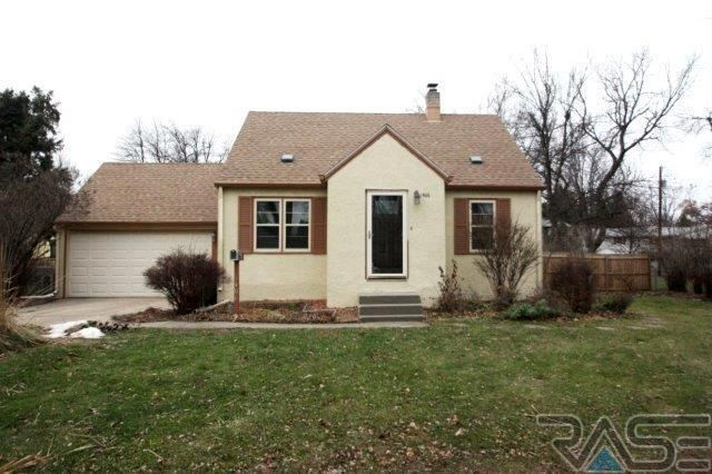 1406 W Sunset Dr, Sioux Falls, SD 57105