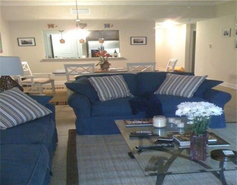 900 Village Ln Apt 323, Pass Christian, MS 39571