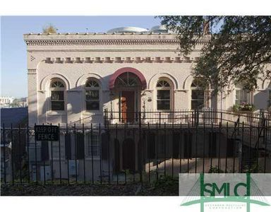 504 E Bay St, Savannah, GA 31401