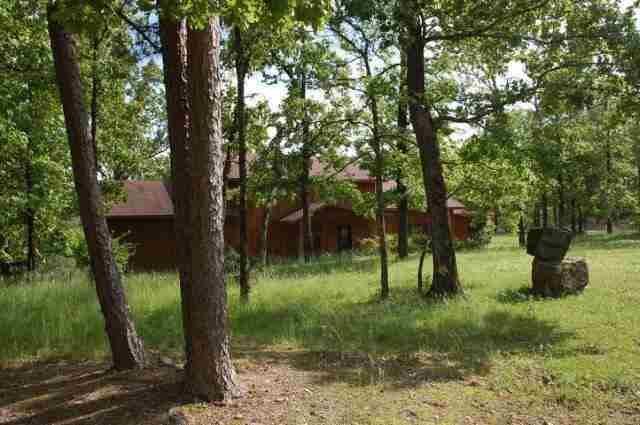 614 Woodview Ln, Royal, AR