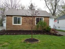2118 Grantwood Dr, Parma, OH 44134