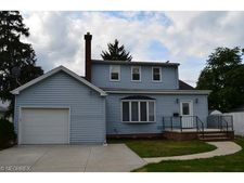 2078 Morrison Ave, Lakewood, OH 44107