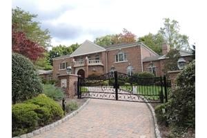 720 Apple Ridge Rd, Franklin Lakes Boro, NJ 07417