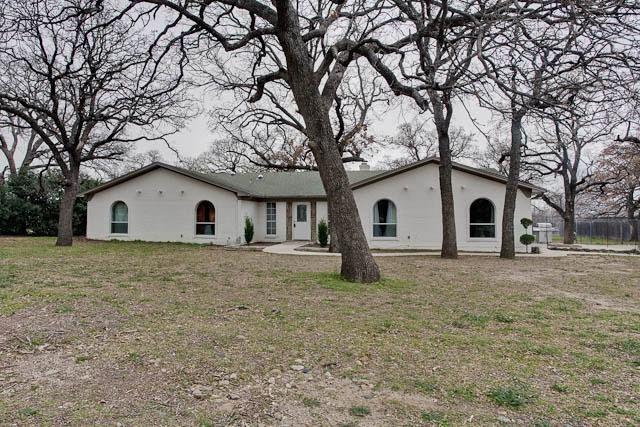 4952 Sunset Cir N, Fort Worth, TX 76244