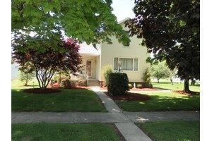516 N Pearl St, Crestline, OH 44827