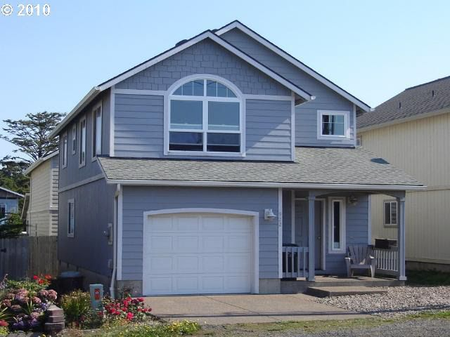 922 NW High St, Newport, OR