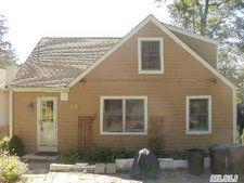 Parkview Ter, Huntington, NY 11743