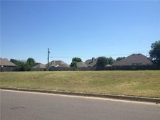 703 Meadow View Dr, Cleburne, TX 76033