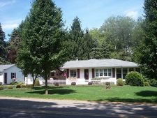 121 Maple Shade Rd, Cranberry, PA 16319