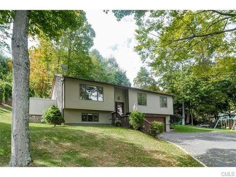 23 Hilldale Rd, New Fairfield, CT 06812