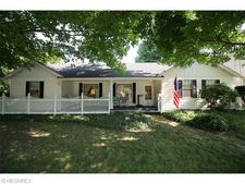 1079 Stanwood Ave, Akron, OH 44314