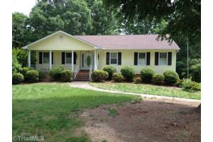 236 Riverwood Dr, Lewisville, NC 27023