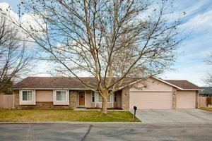 2350 N Pawnee Ln, Boise, ID 83704
