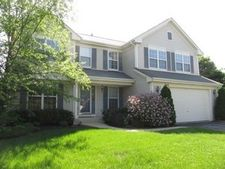 709 Highland Ct, Grayslake, IL 60030