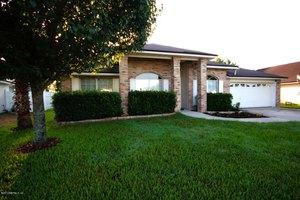 1631 Hawkins Cove Dr E, Jacksonville, FL 32246