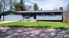 435 N 8Th St, Albia, IA 52531