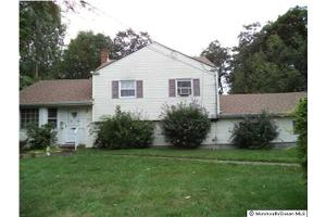 55 McCormick Pl, Middletown, NJ 07748