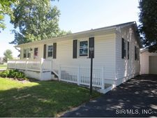 432 E Laurel St, Millstadt, IL 62260