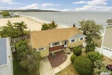 9 Pleasantview Dr, Bayville, NY 11709