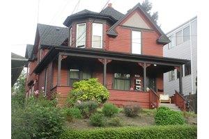 4017 5th Ave NE, Seattle, WA 98105