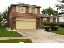 549 Old Meadow Rd, Matteson, IL 60443