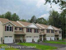 241 W Woodhaven Dr, White Haven, PA 18661