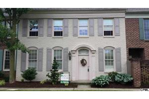 57 Devonshire Sq, Mechanicsburg, PA 17050