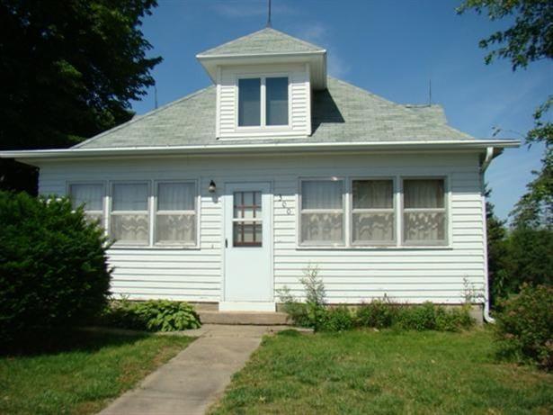 300 S Sly St Fairfax, MO 64446