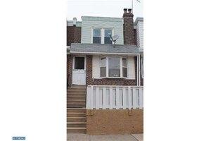 6729 Dorel St, Philadelphia, PA 19142