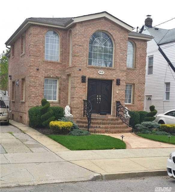 8915 205th St, Hollis, NY 11423