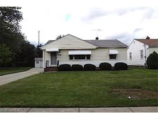 29998 Truman Ave, Wickliffe, OH 44092