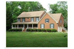 612 Ravenwoods Dr, Chesapeake, VA 23322