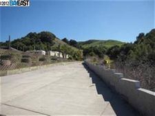 7825 Crow Canyon Rd, Castro Valley, CA 94552