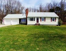 12 Clifford Rd, Plymouth, MA 02360