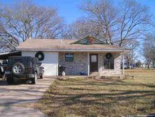 305 S 2nd Ave, Marietta, OK 73448