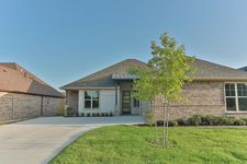 723 Abbey Rd, Lindale, TX 75771