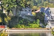 2110 Madrona Point Dr, Bremerton, WA 98312