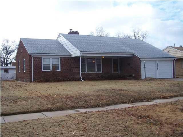 2915 E Menlo St Wichita Ks 67211 Home For Sale And