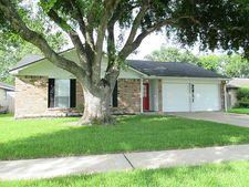 2851 Pilgrims Point Dr, Webster, TX 77598