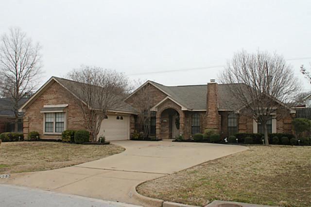 7020 Live Oak Dr North Richland Hills, TX 76182